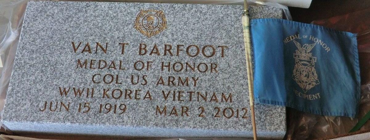 Van Thomas Barfoot