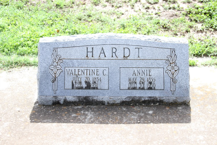 Annie <i>Saathoff</i> Hardt