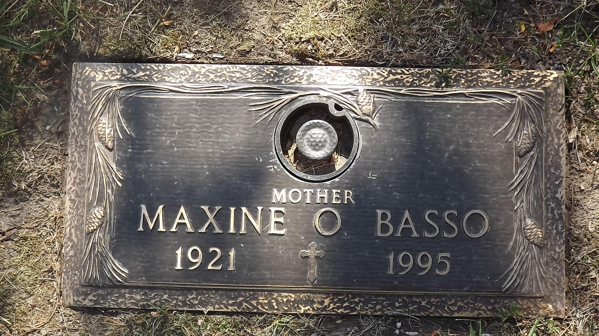 Maxine <i>Giddens</i> Basso