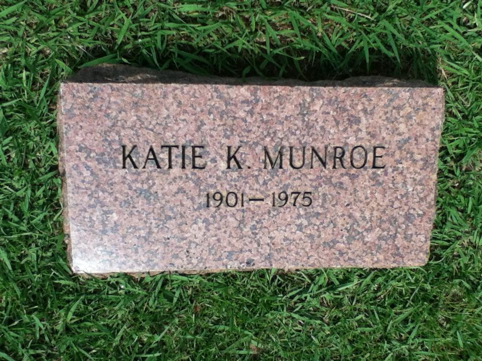 Katie <i>Knight</i> Munroe