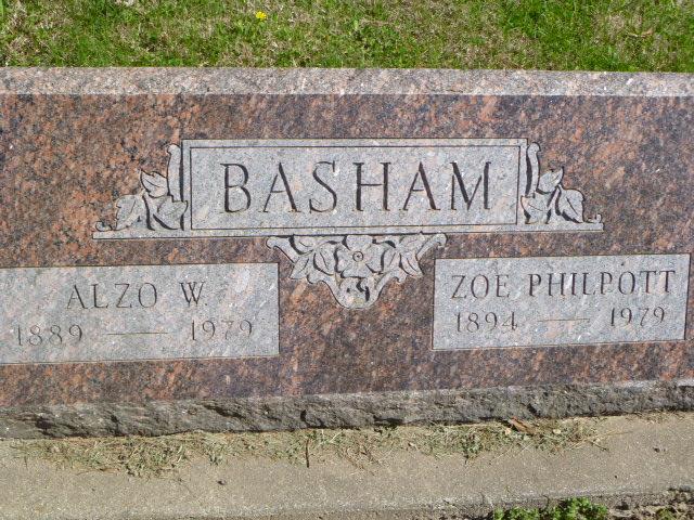 Zoe <i>Philpott</i> Basham