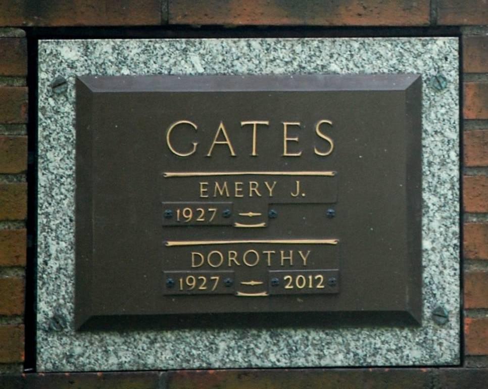 Dorothy <i>Bogatay</i> Gates