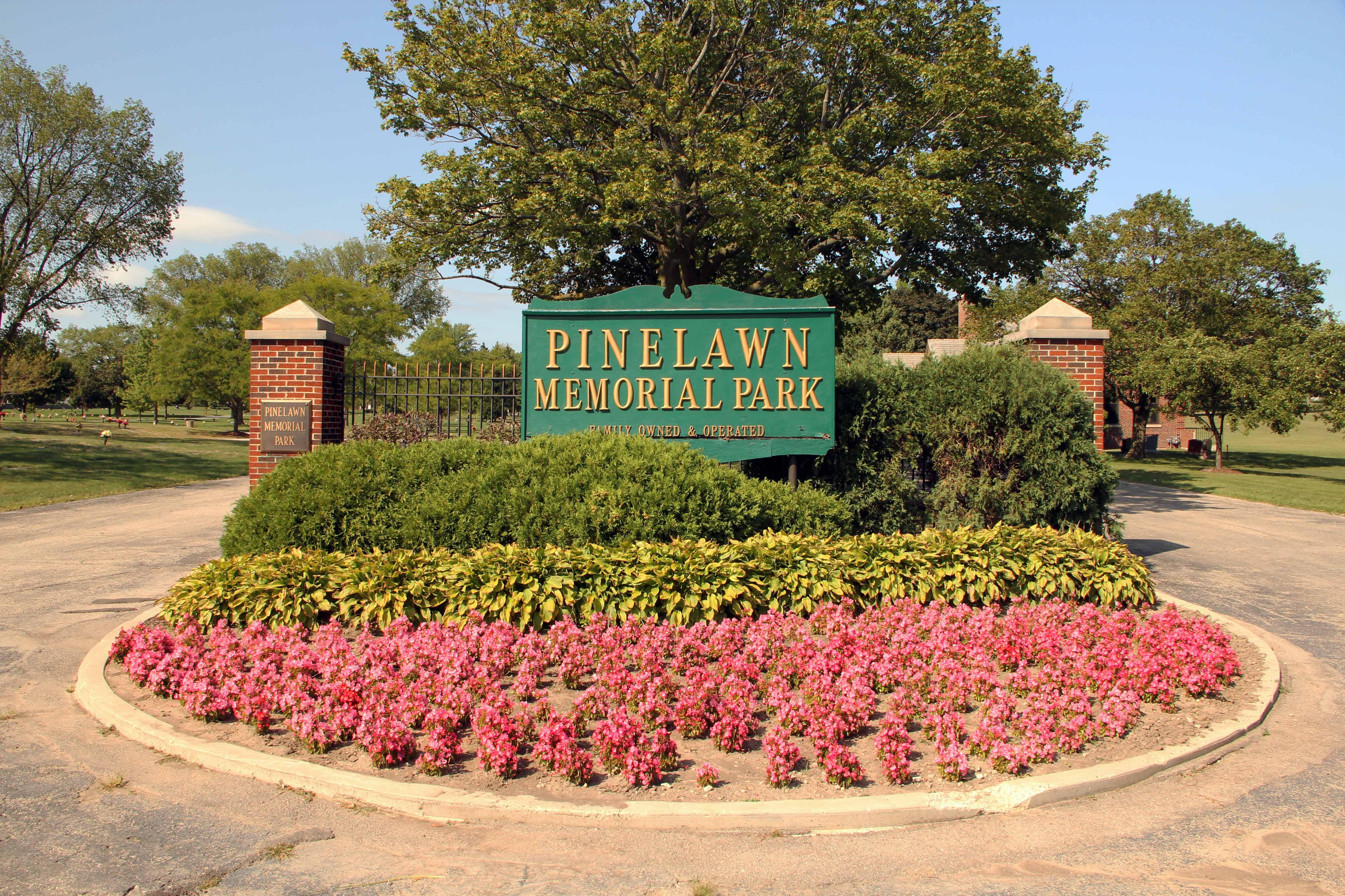 Pinelawn Memorial Park
