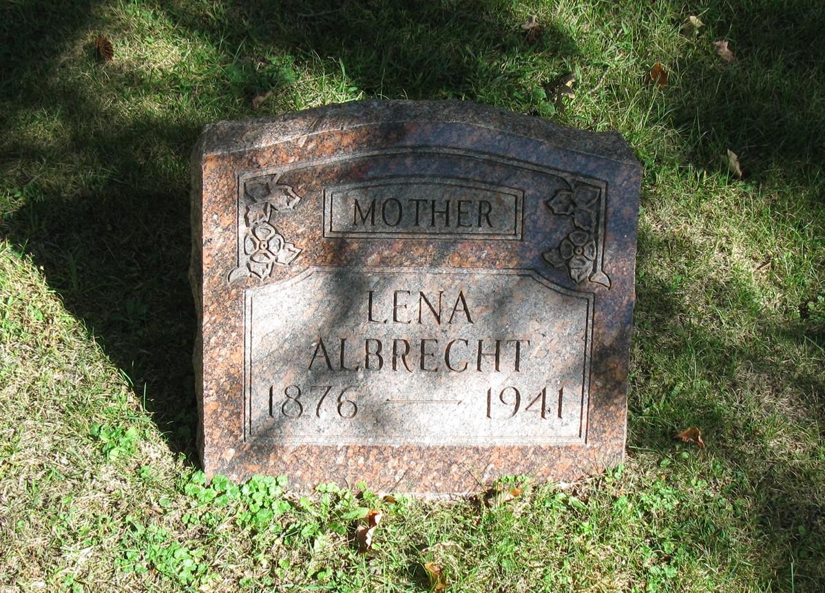 Lena <i>Jung</i> Albrecht