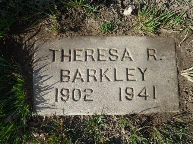Teresa <i>Castro</i> Barkley