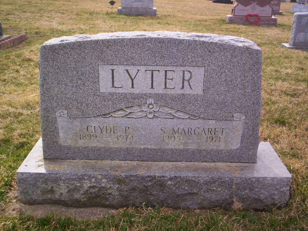 S Margaret <i>Pecht</i> Lyter