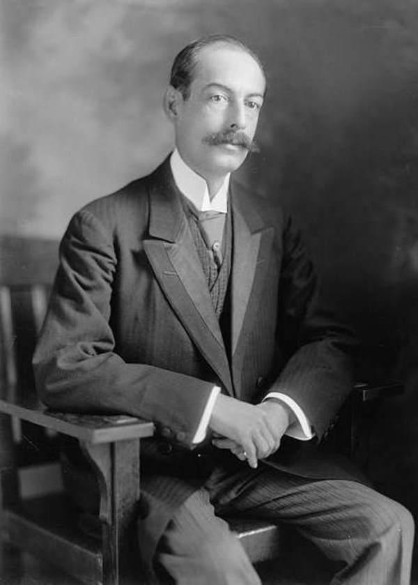 Dr Ramon Maximiliano Valdes