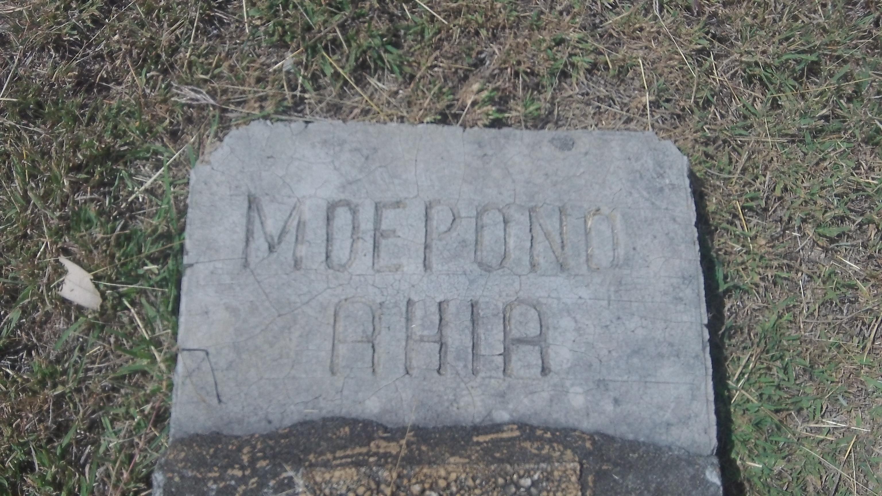 Moepono Ahia