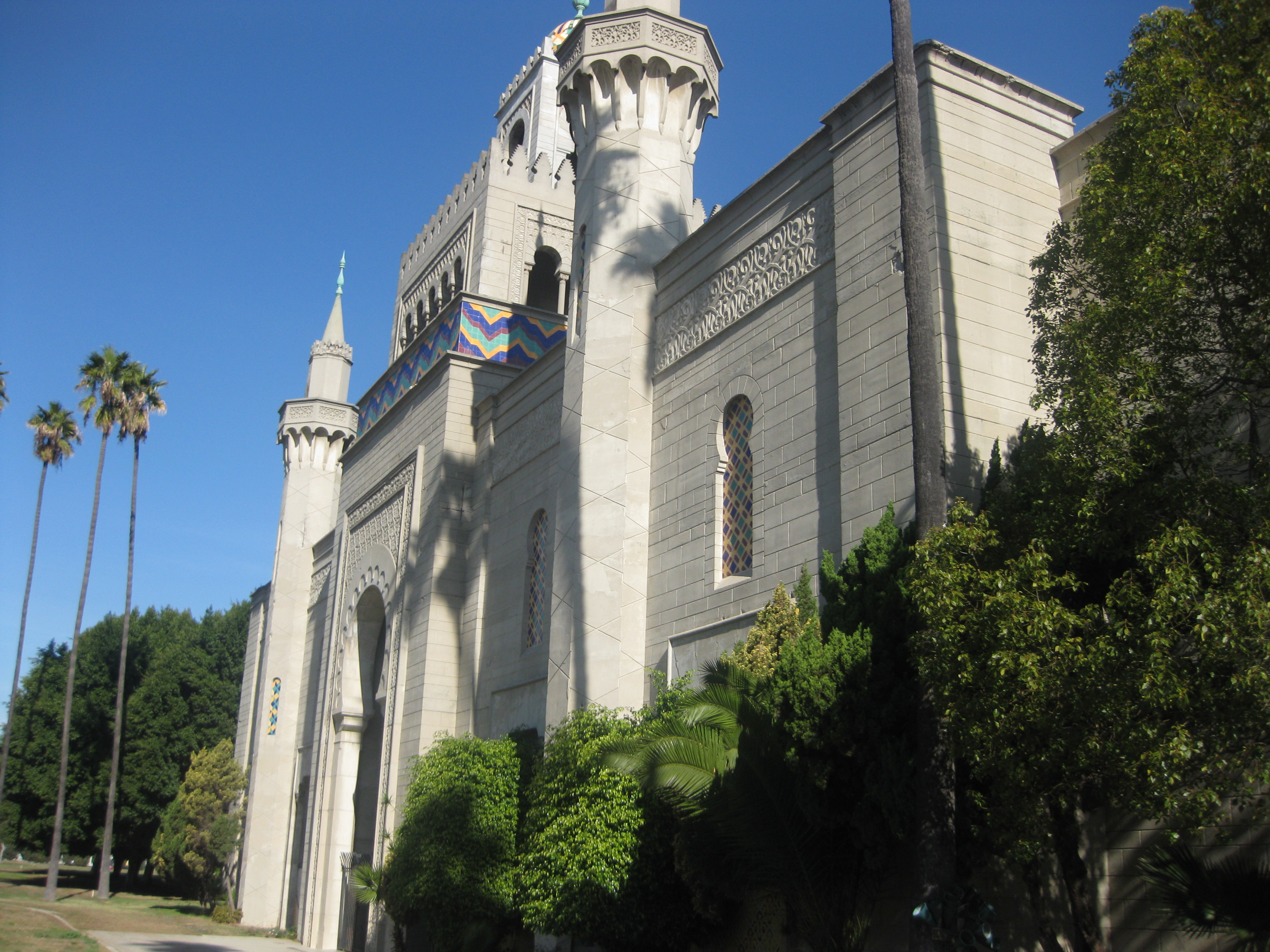 Angeles Abbey Memorial Park