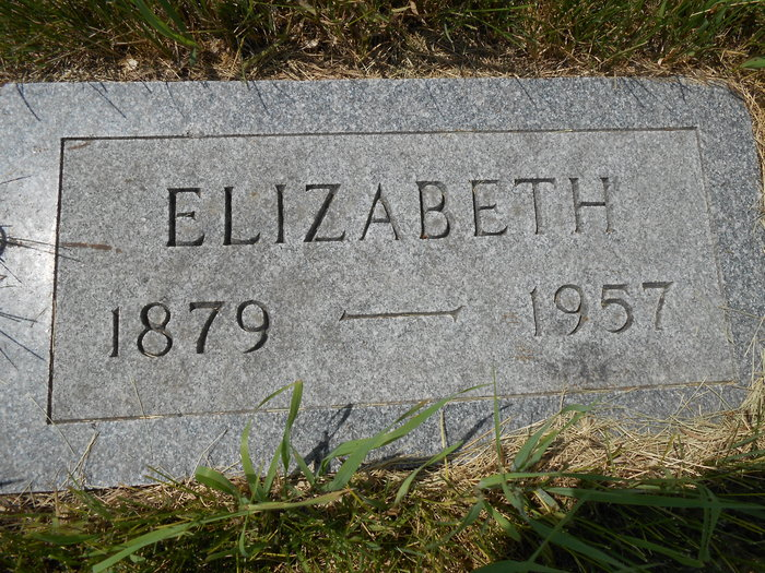 Elizabeth <i>Sigmundstad</i> Lalum
