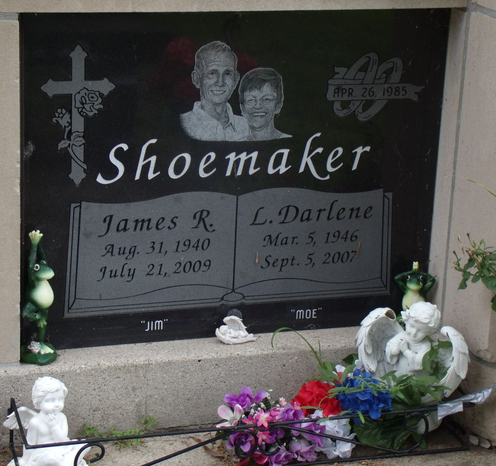 """James Russell """"Jim"""" Shoemaker (1940-2009) - Find A Grave"""