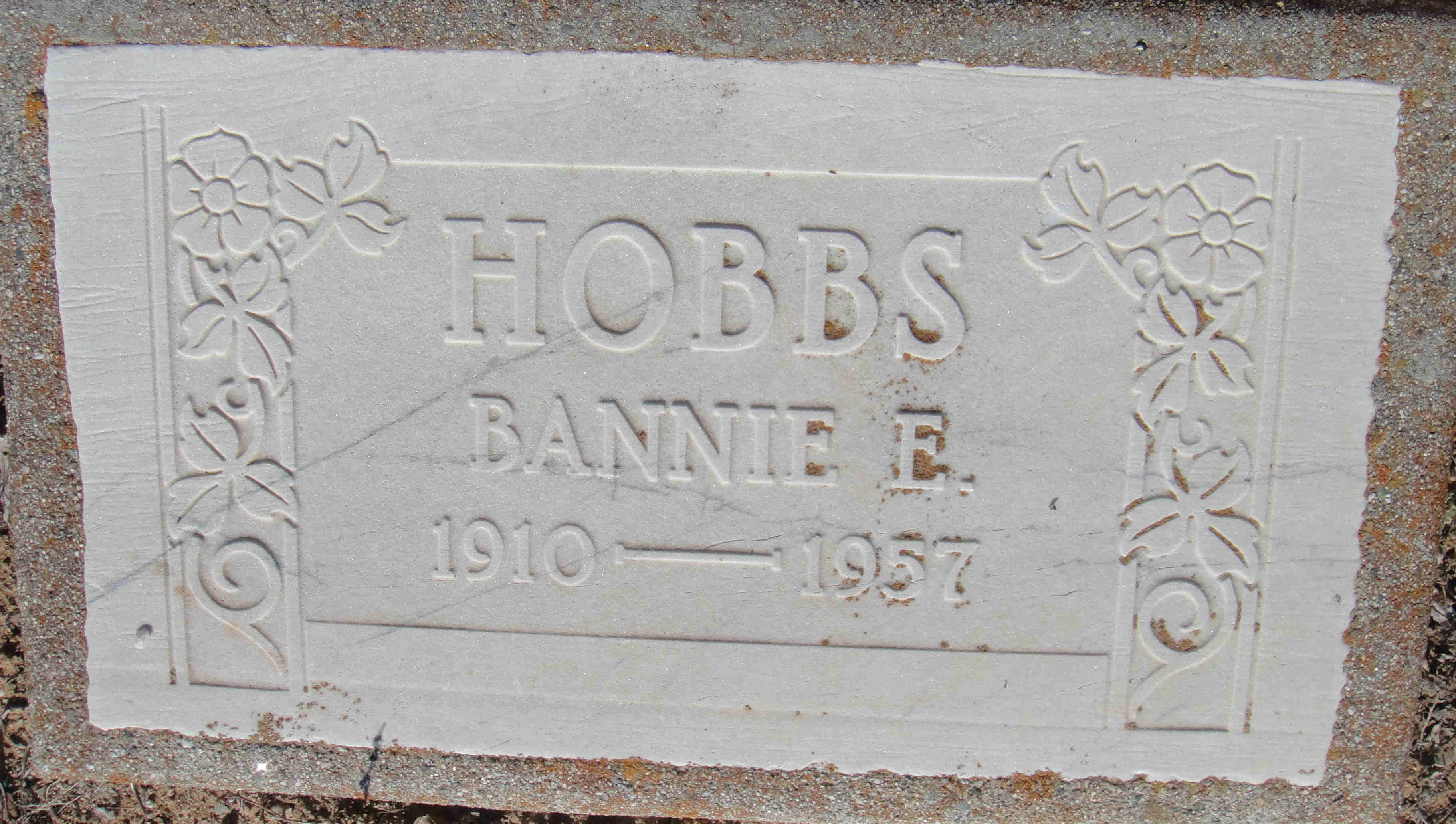 Bannie <i>Pierce</i> Hobbs