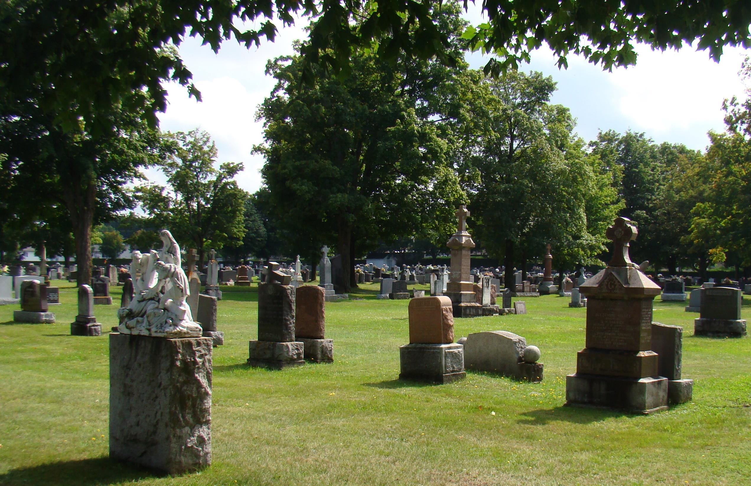 Saint-Calixte Cemetery