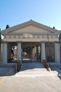 Cimitero a Torre Del Greco in Torre del Greco Campania Find A