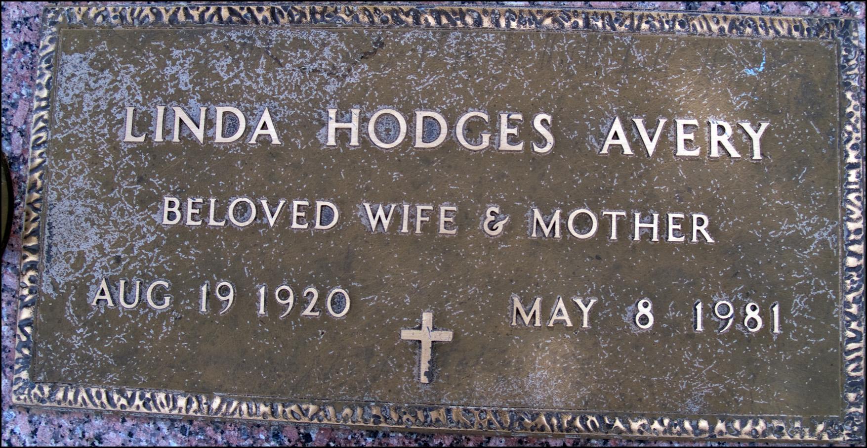 Linda <i>Hodges</i> Avery