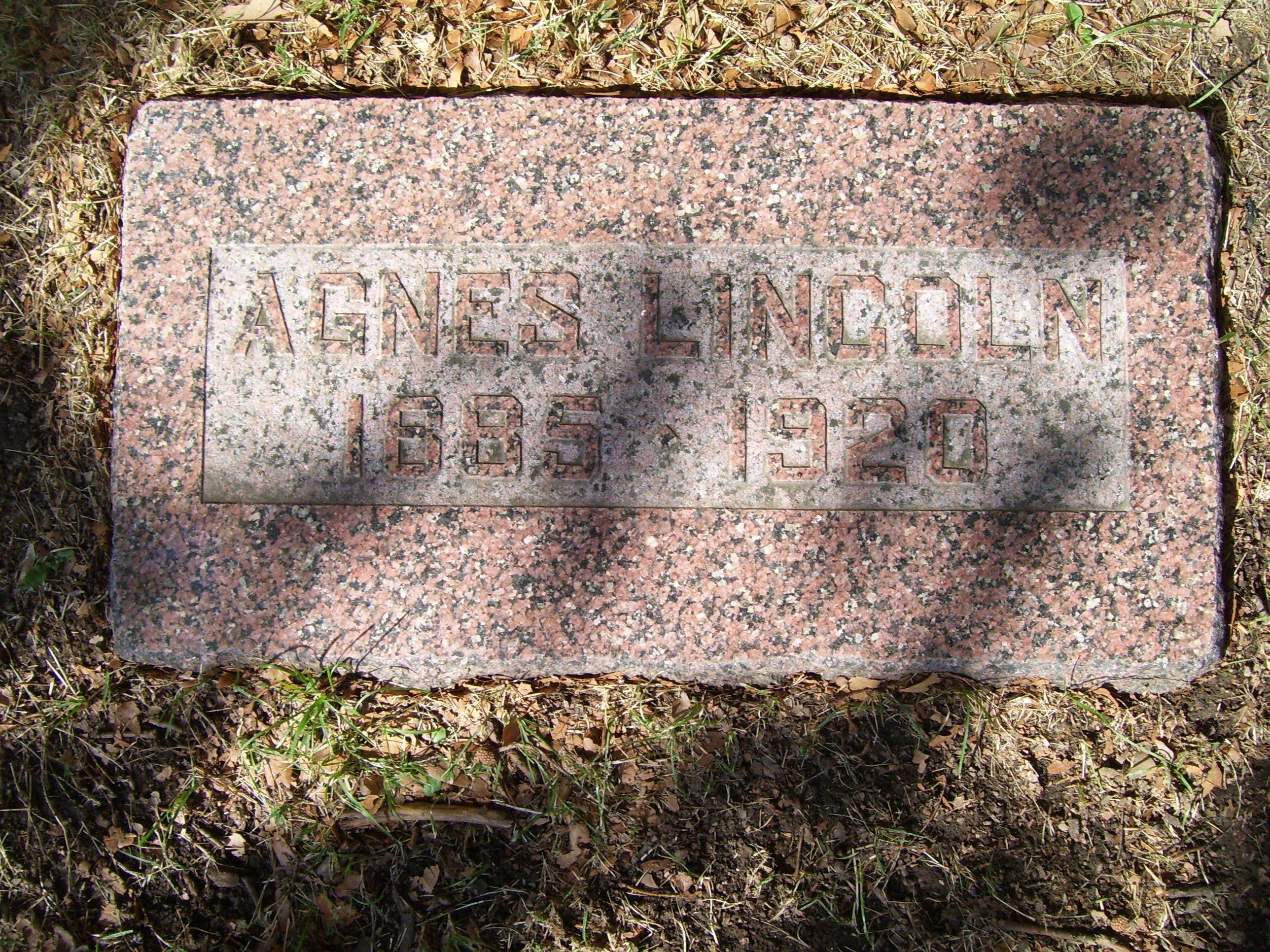 Agnes <i>Hahn</i> Lincoln