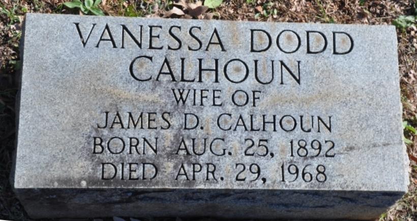 Vanessa <i>Dodd</i> Calhoun