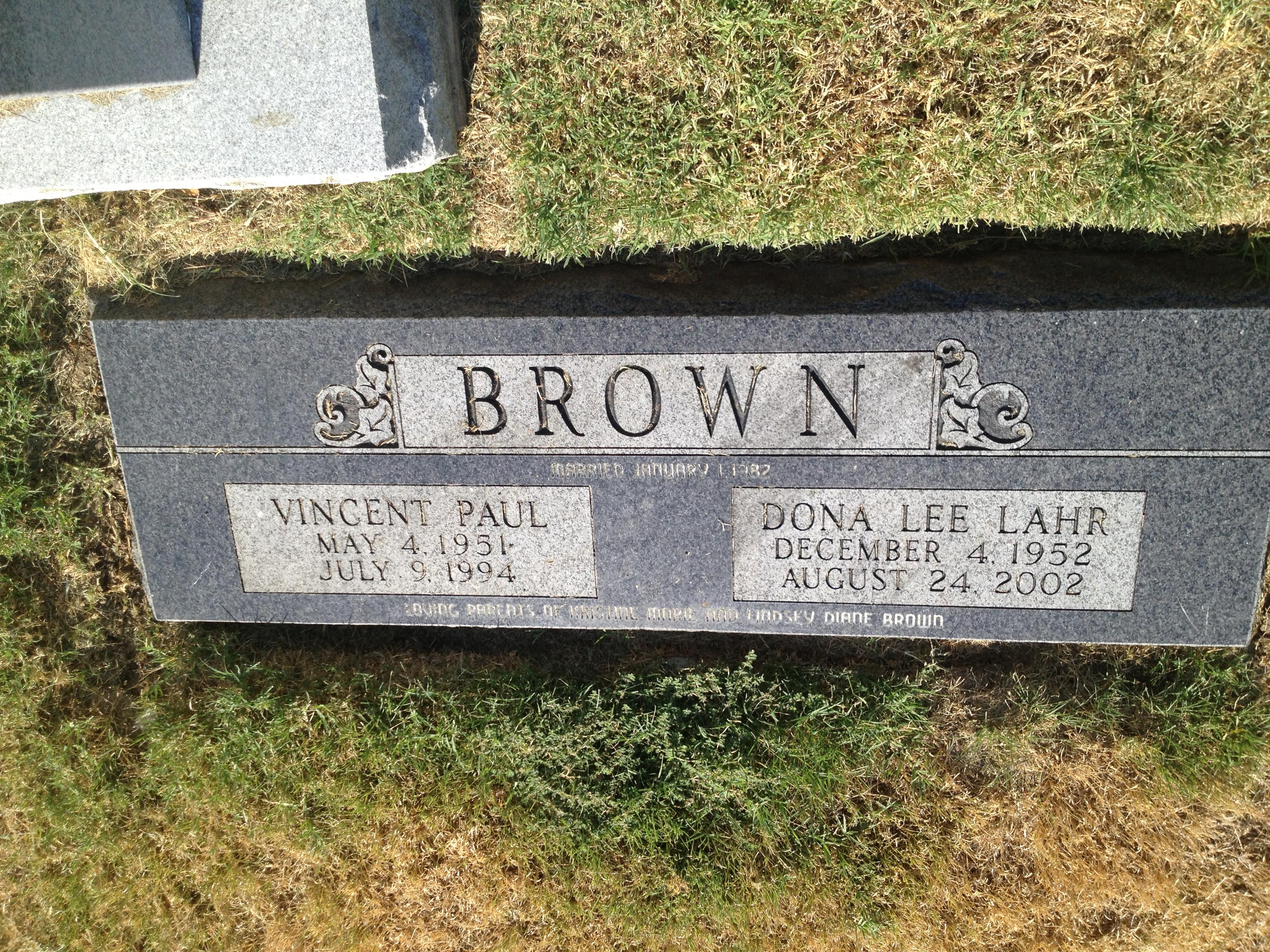 Dona Lee <i>Lahr</i> Brown