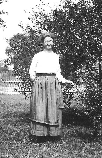Alice B. <i>Holaday</i> Elmore