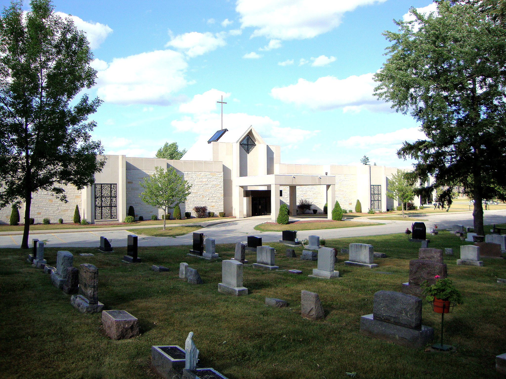 Allouez Catholic Cemetery And Chapel Mausoleum