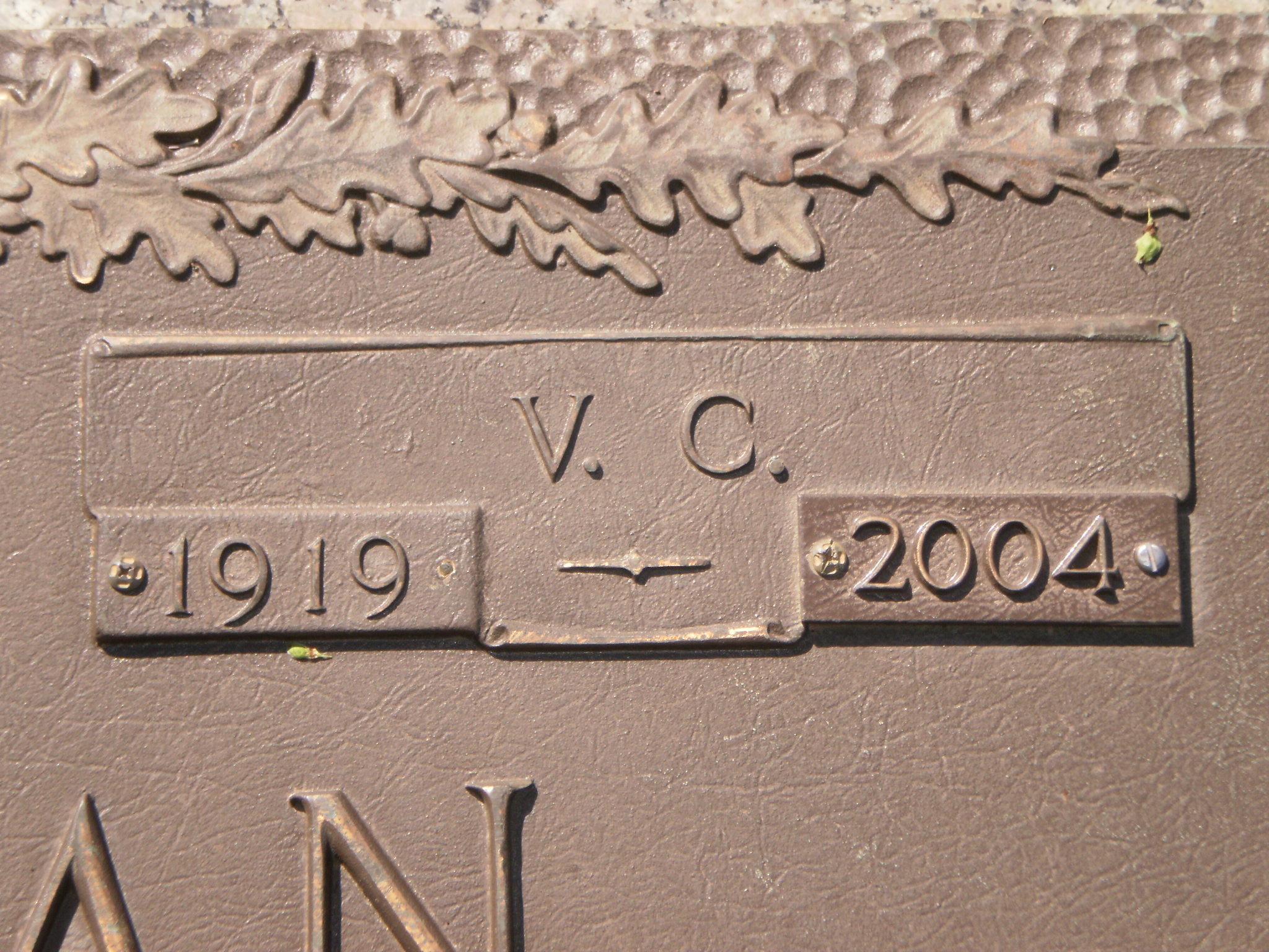 V. C. Holleman (1919-2004) - Find A Grave Memorial
