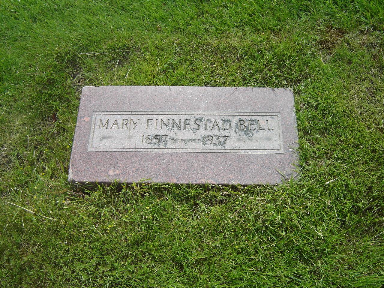 Mary <i>Olsdatter Finnestad</i> Bell