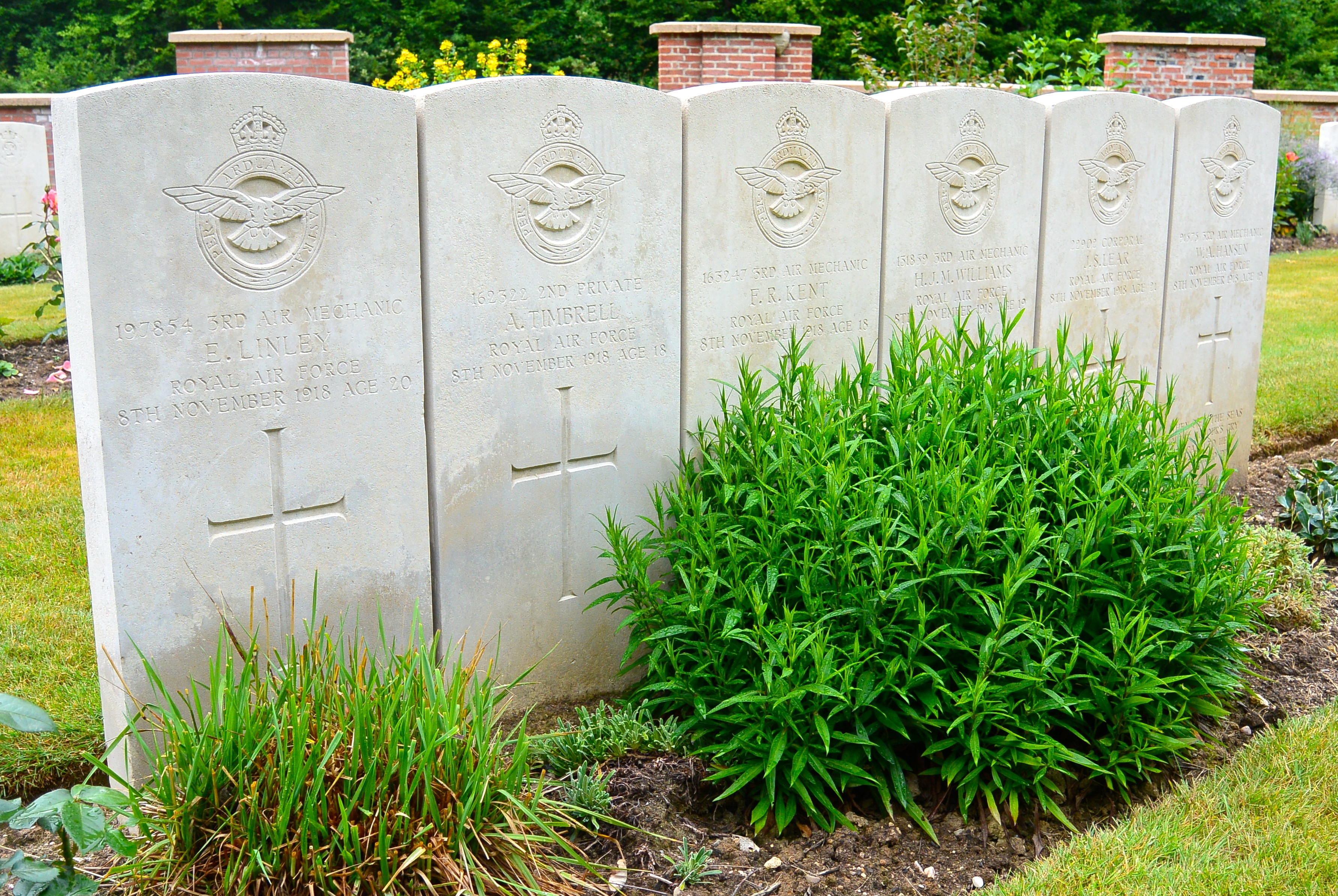 Epitaphs Of The Great War Armstrong Ac Heat Strip Wiring Whilst Hansen And Linley Have Individual Grave References If16 If18 Other Bodies A Single Reference If17