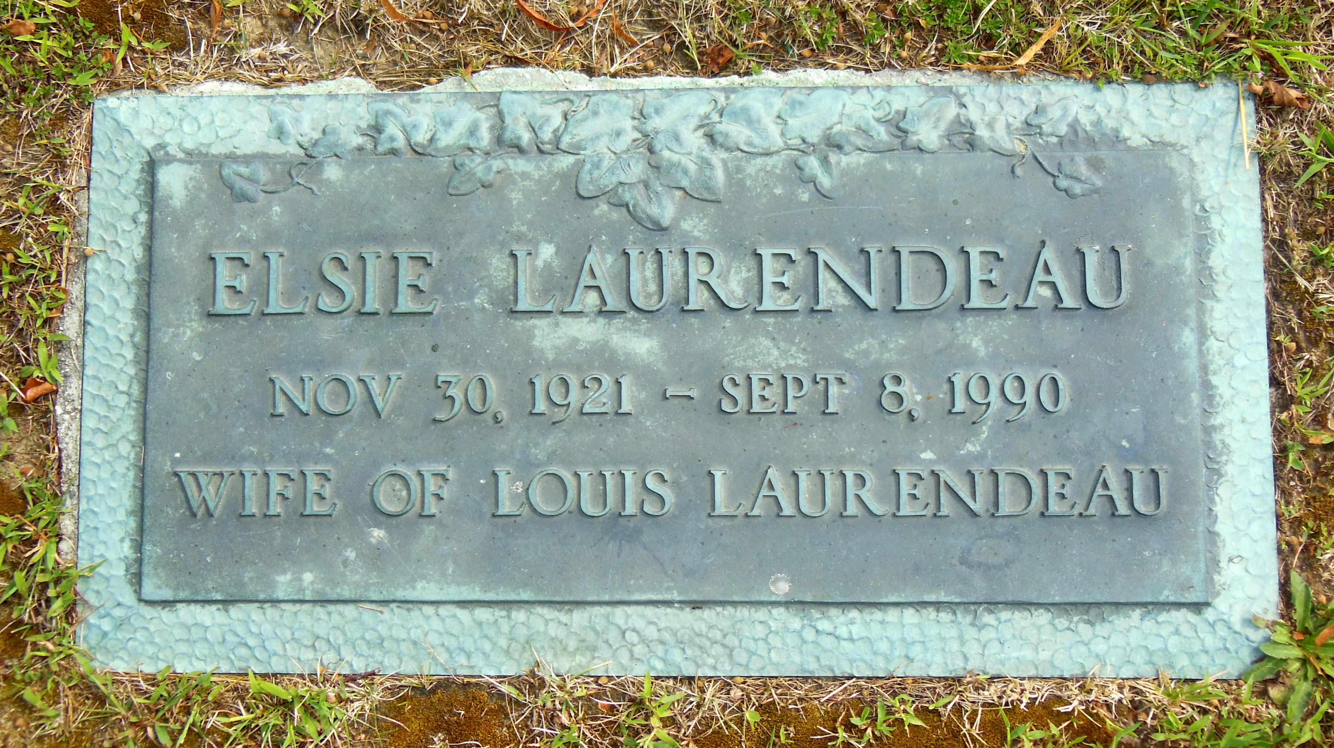 Elsie Annette <i>Desmarais</i> Laurendeau