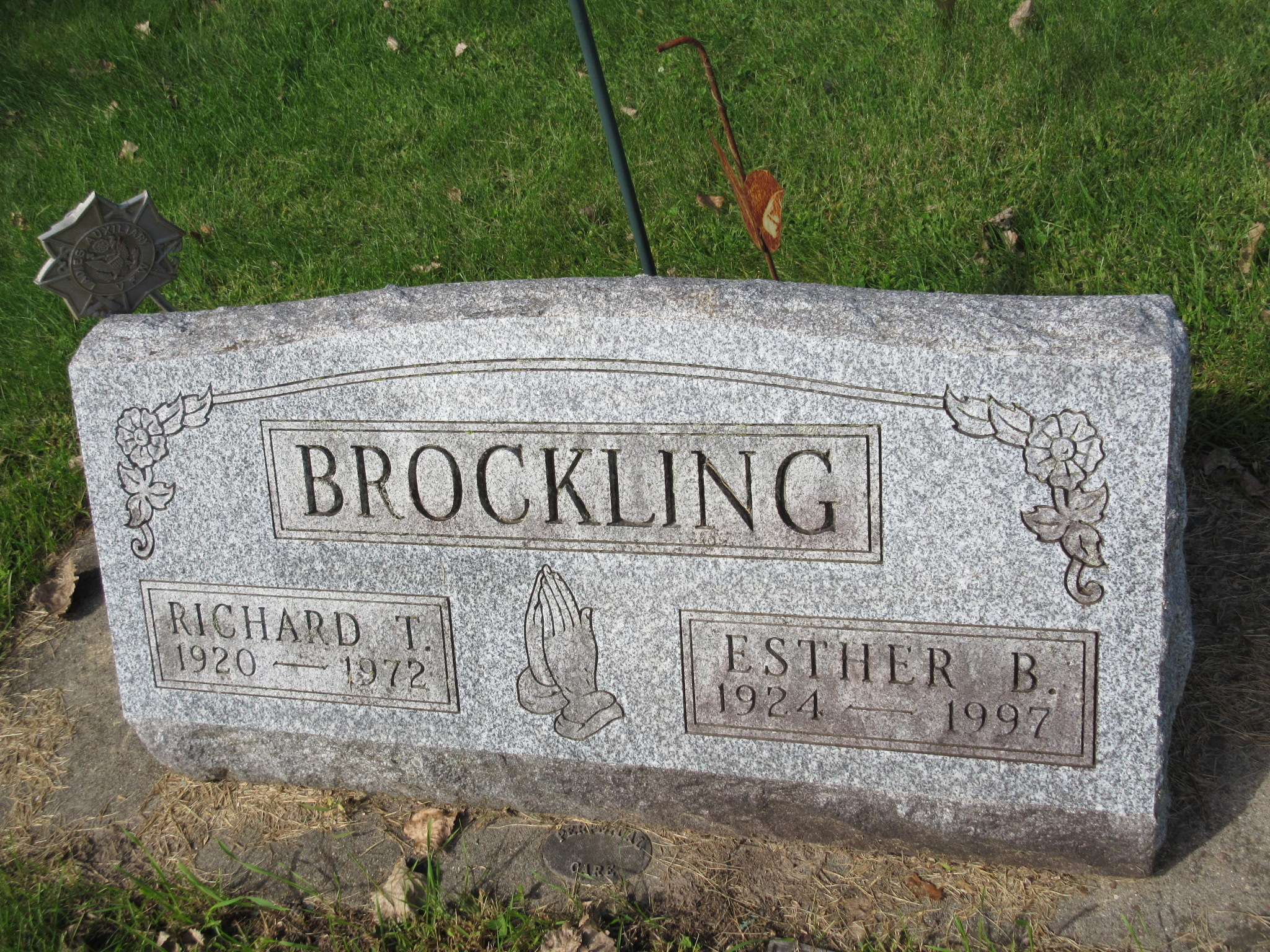 Esther B <i>Gilbert</i> Brockling