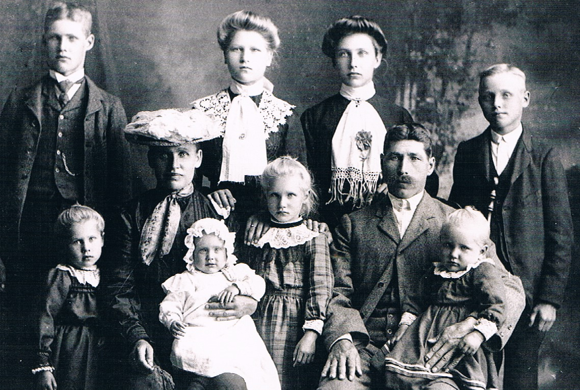 Susanna And Adolf Steg Family Back L R Ludwig Mathilda Augusta Heinirich Seated Nee Woitt Front Bertha
