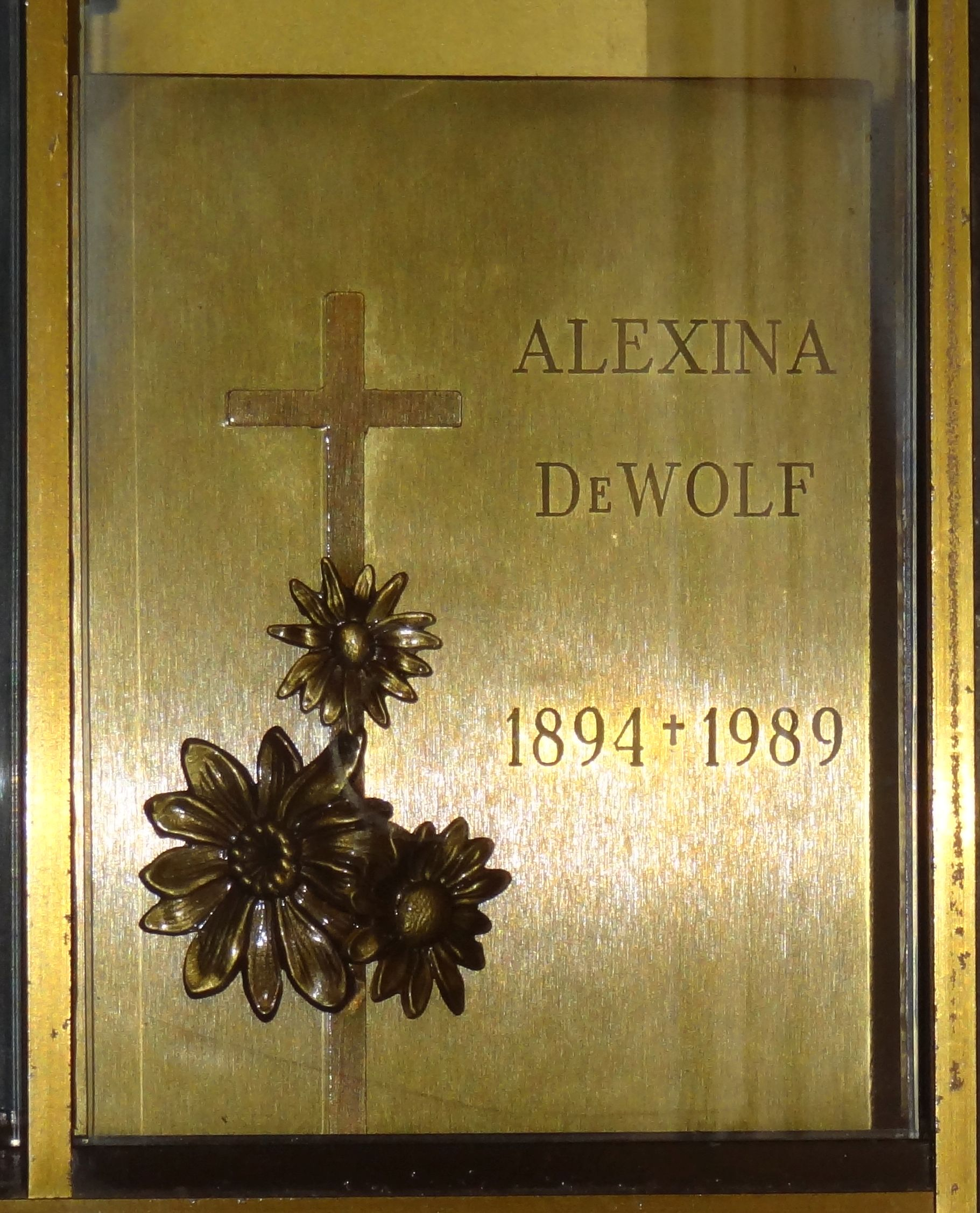 Alexina DeWolf