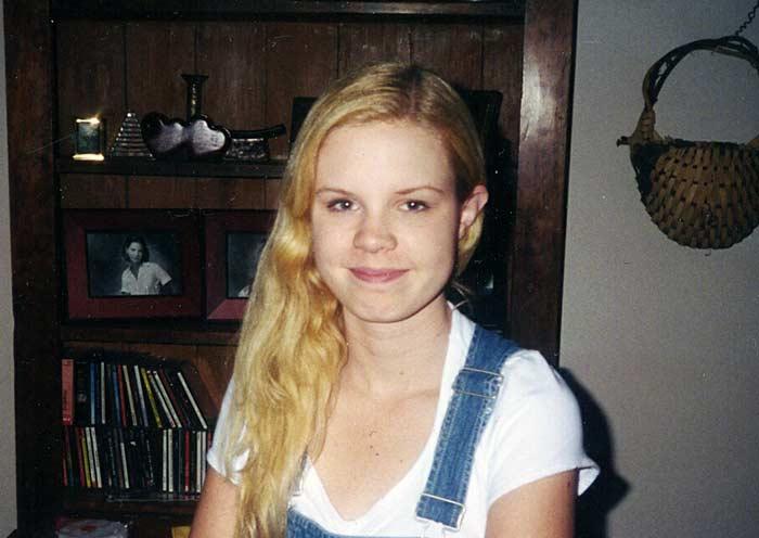 Justine Elizabeth <i>Swartz</i> Abshire
