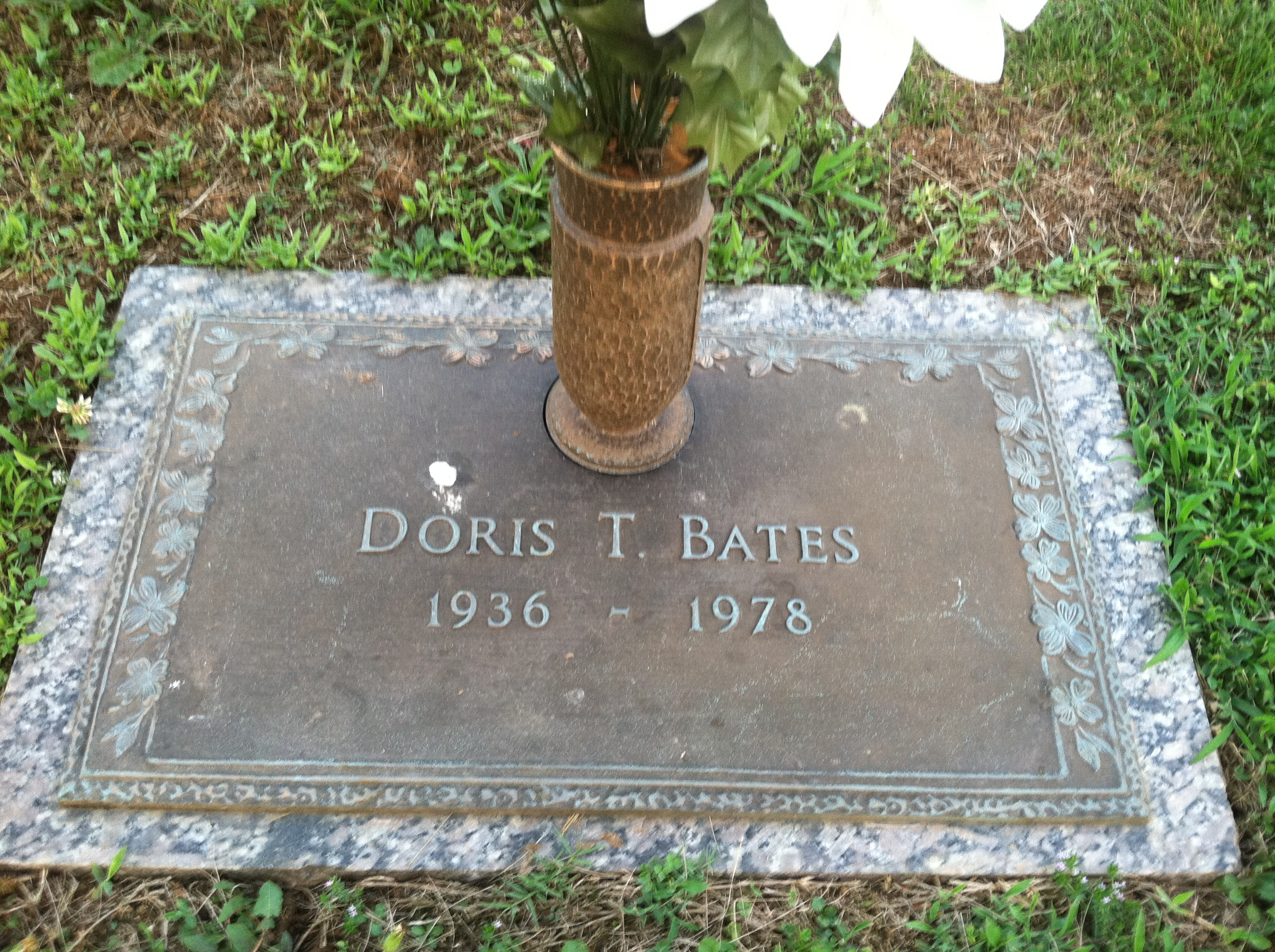 Doris <i>Tucker</i> Bates