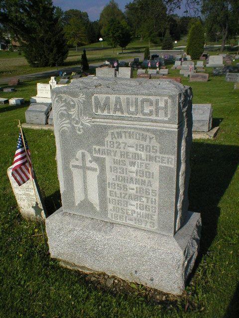 Mary <i>Reidlinger</i> Mauch