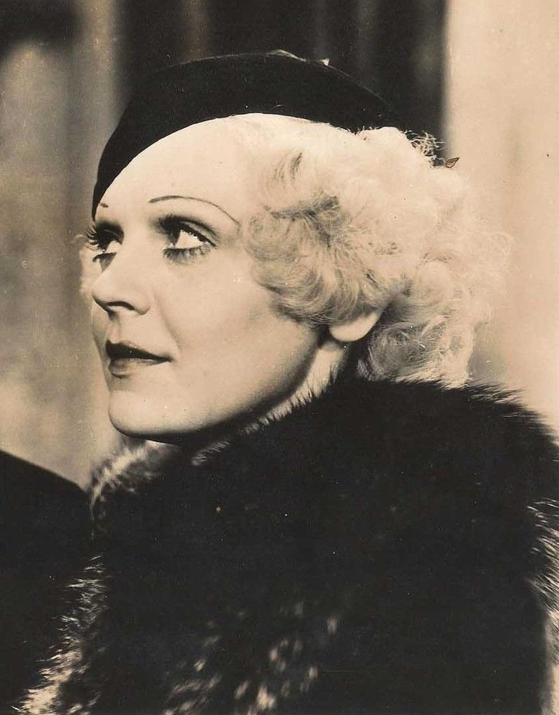 Lillian Miles