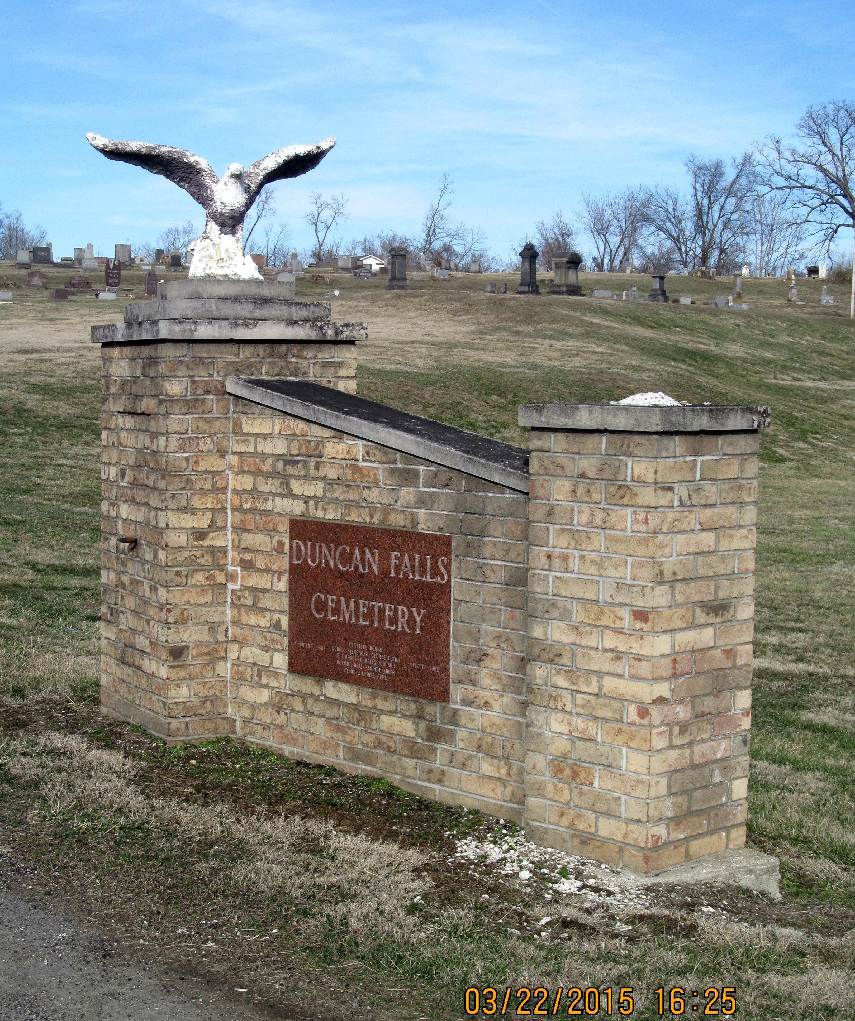 Duncan Falls Cemetery
