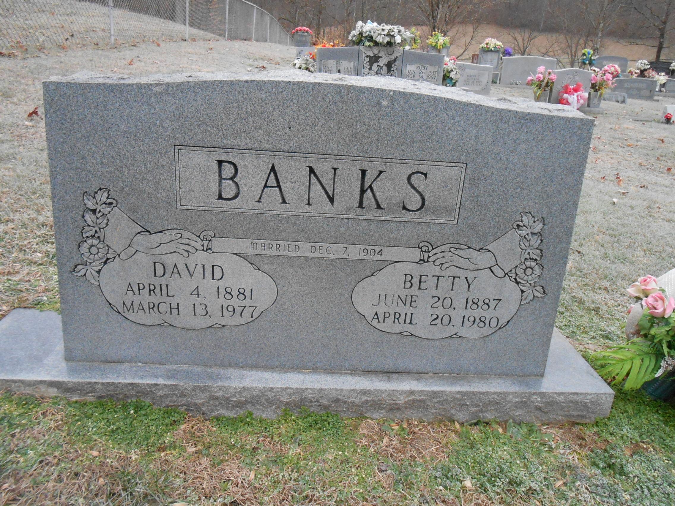 Betty Elizabeth <i>Sizemore</i> Banks