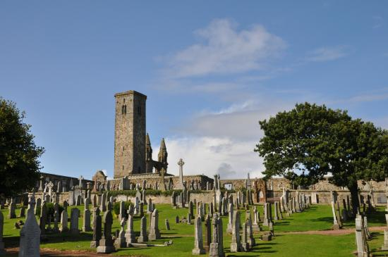 Saint Andrews Cathedral Graveyard