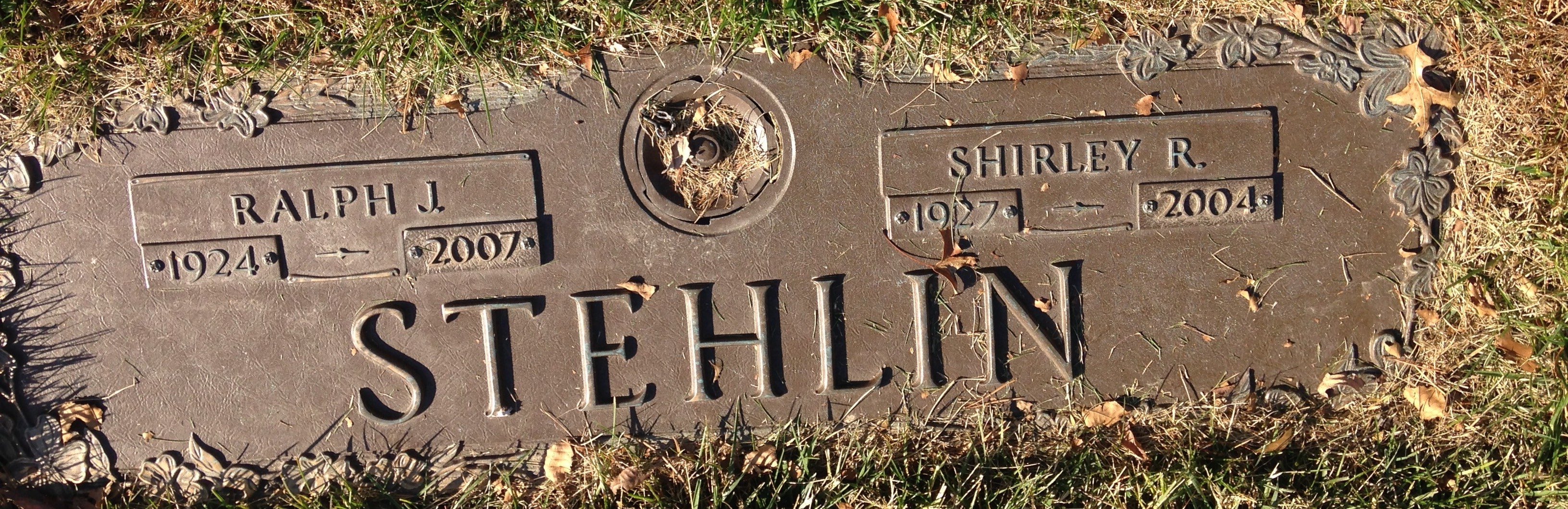 Shirley Stehlin (1927-2004) - Find A Grave Memorial