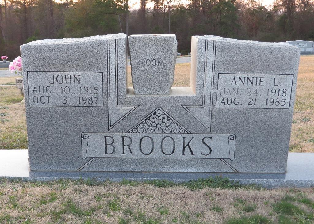 Annie L Brooks