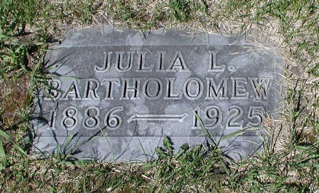 Julia <i>Lunde</i> Bartholemew