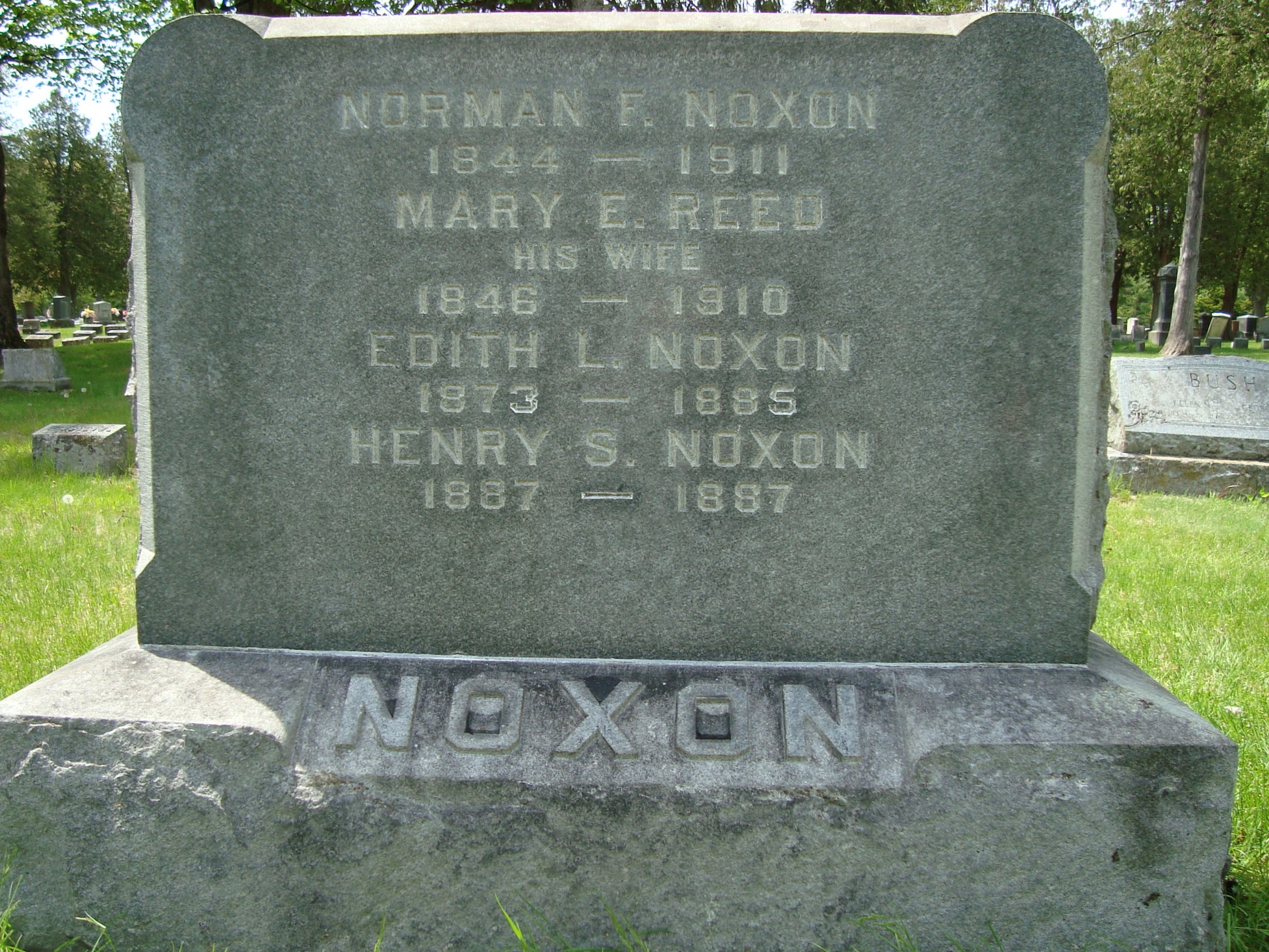 Mary E <i>Reed</i> Noxon