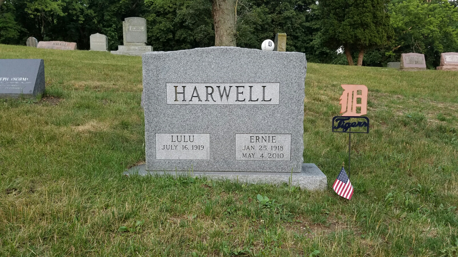 Ernie Harwell (1918-2010) - Find A Grave Memorial