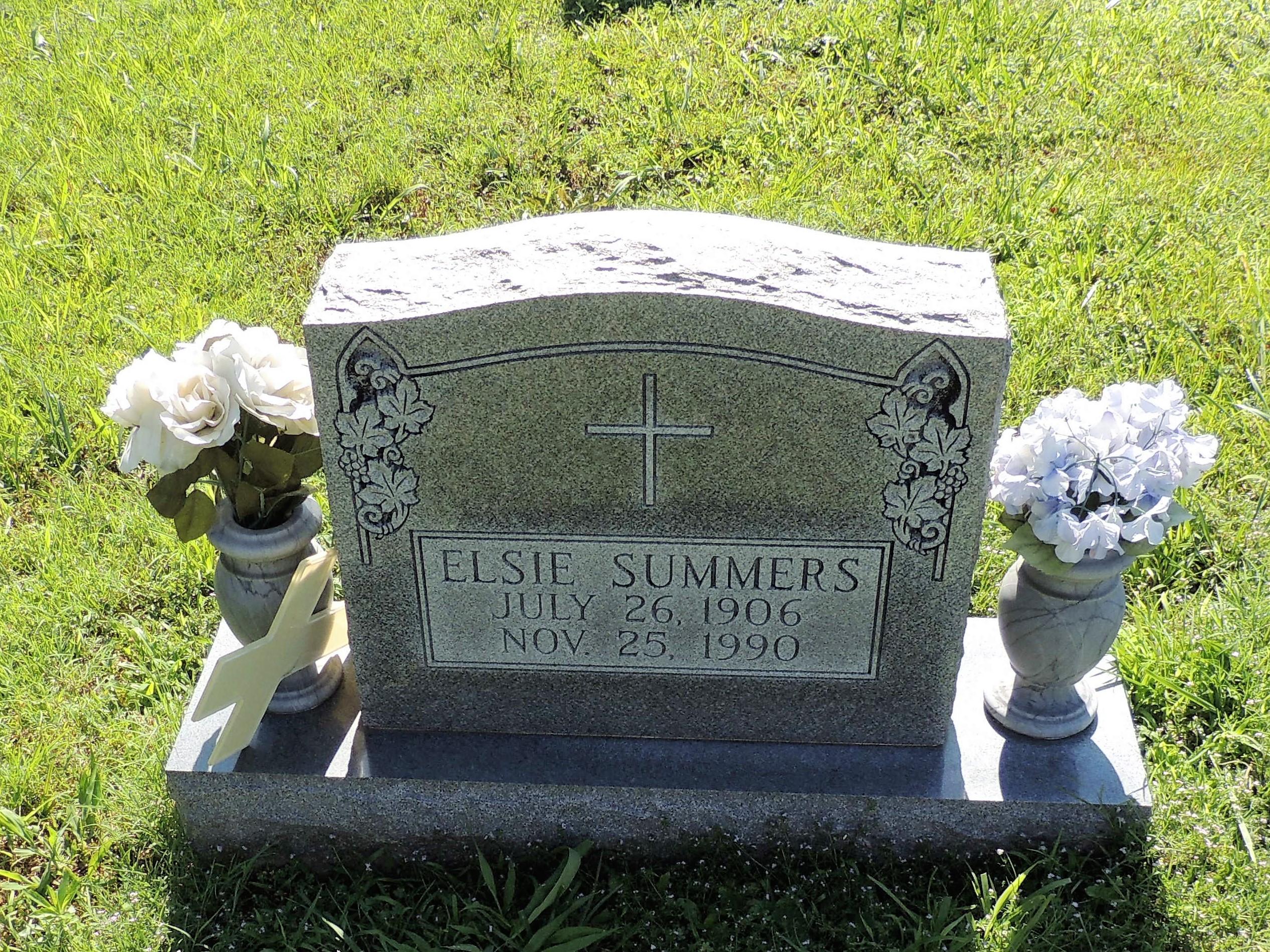 Elise Summers Nude Photos 38