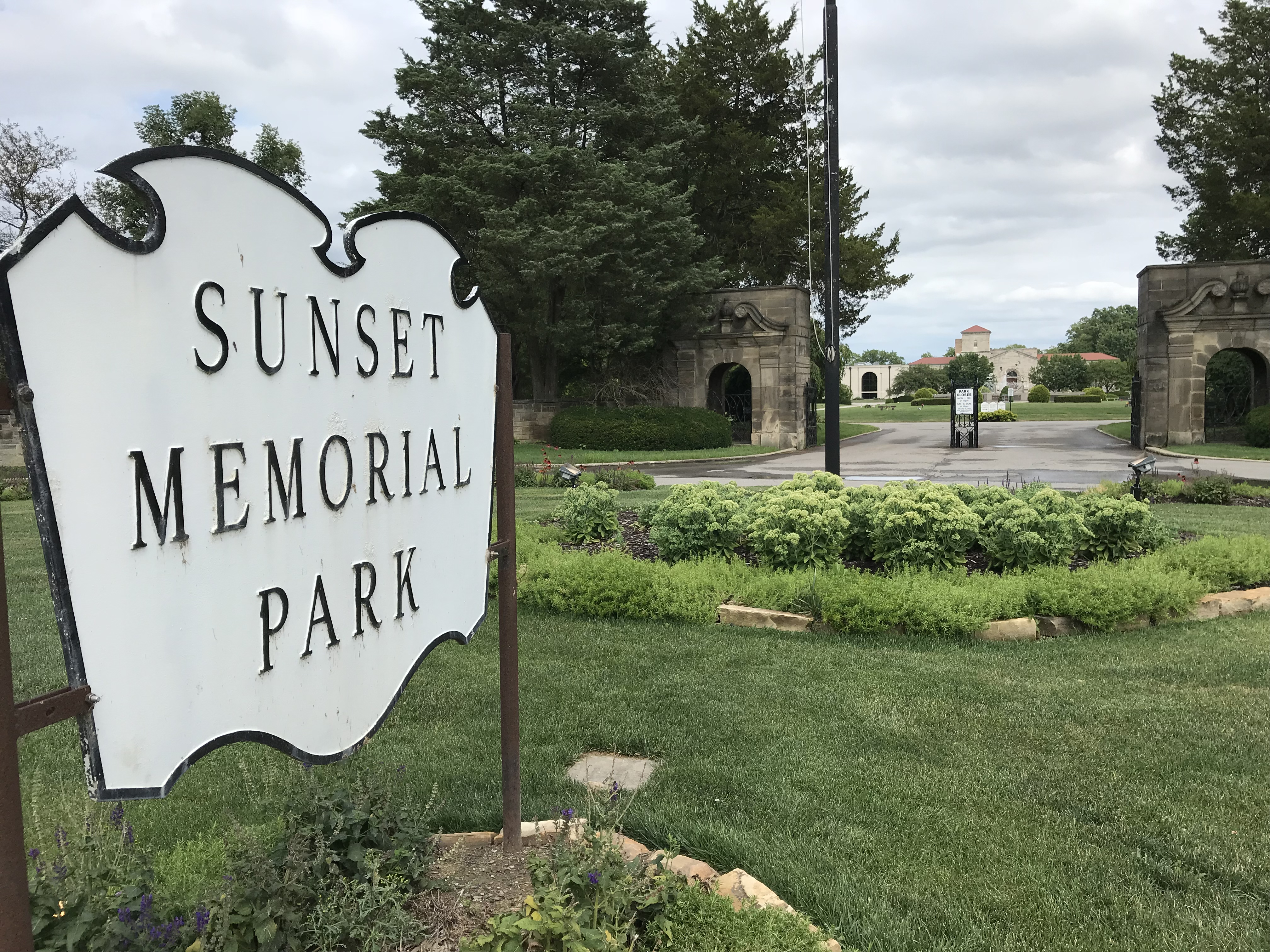 Sunset Memorial Park in North Olmsted, Ohio - Find A Grave Cemetery