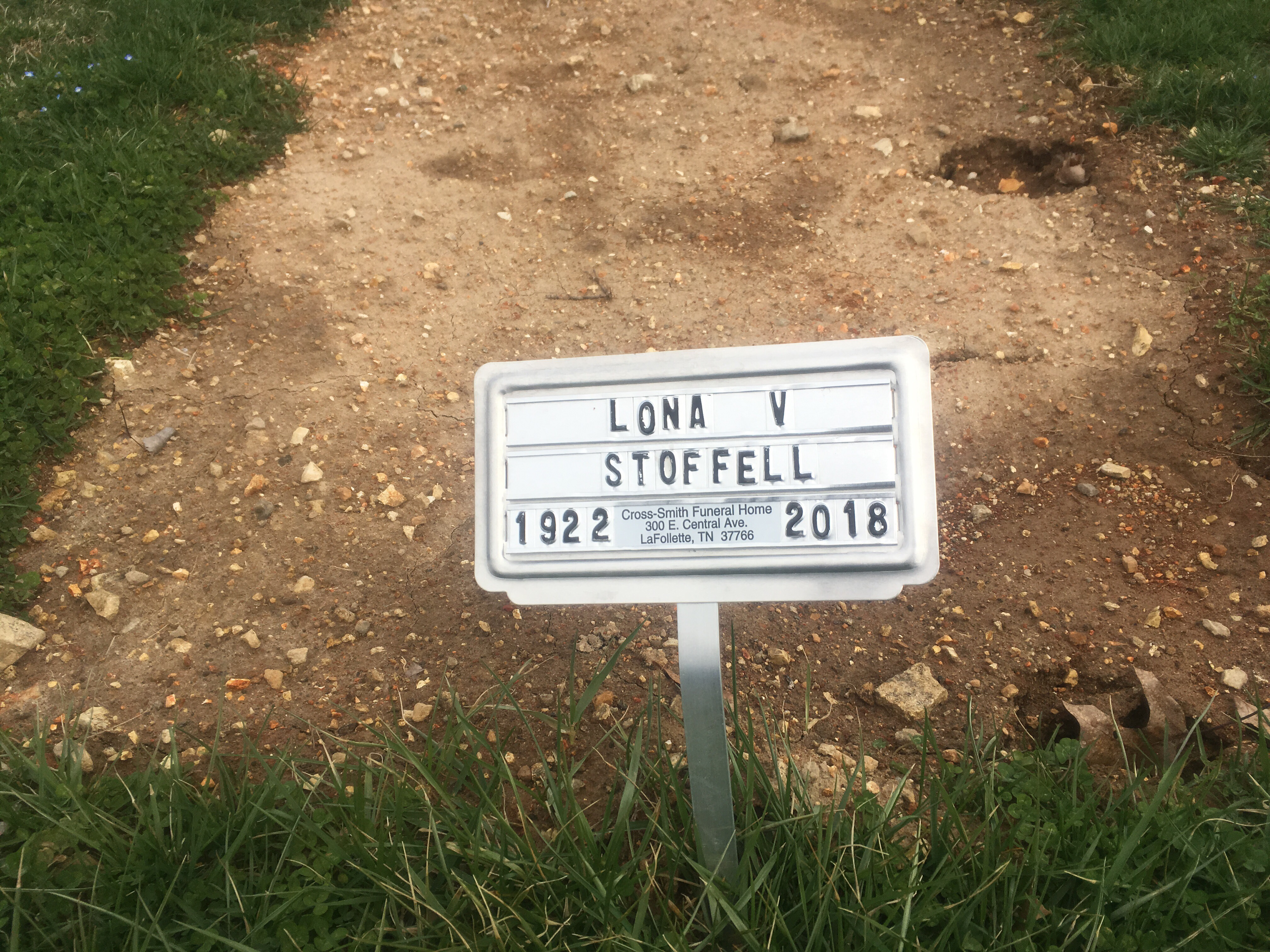 Lona V Stoffell 1922 2018 Find A Grave Memorial