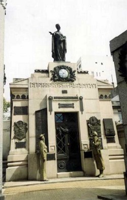 Monument to the Argentine soldiers of the Paraguay