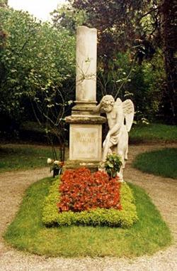 Mozart Grave