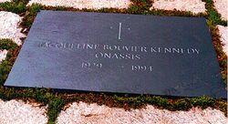 Jackie kennedy burial site