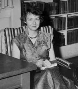 "flannery oconnor and his use of grotesque images Flannery o""connor is a superb artist of the grotesque who manipulates her lurid tales to create moments of grace in an absurd and topsy-turvy world of sin, distortion and reconciliation her imagined south is defined as."